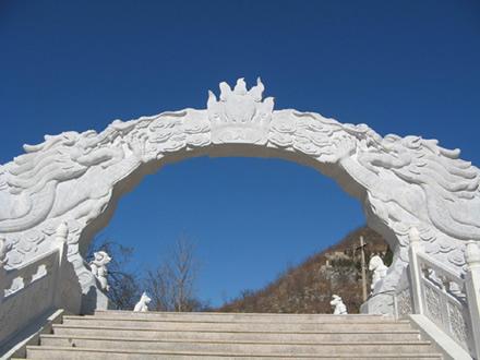 陵园内优美风景-桃峰陵园